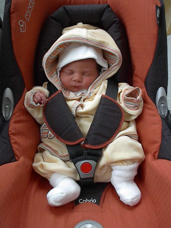 Heimtransport des Neugeborenen © JenainBildern / PIXELIO