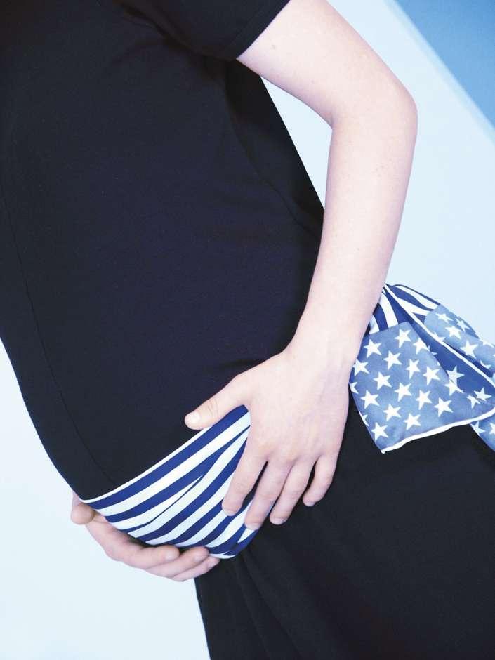 Schwangerschaftsstreifen. © Cornelia Menichelli / PIXELIO