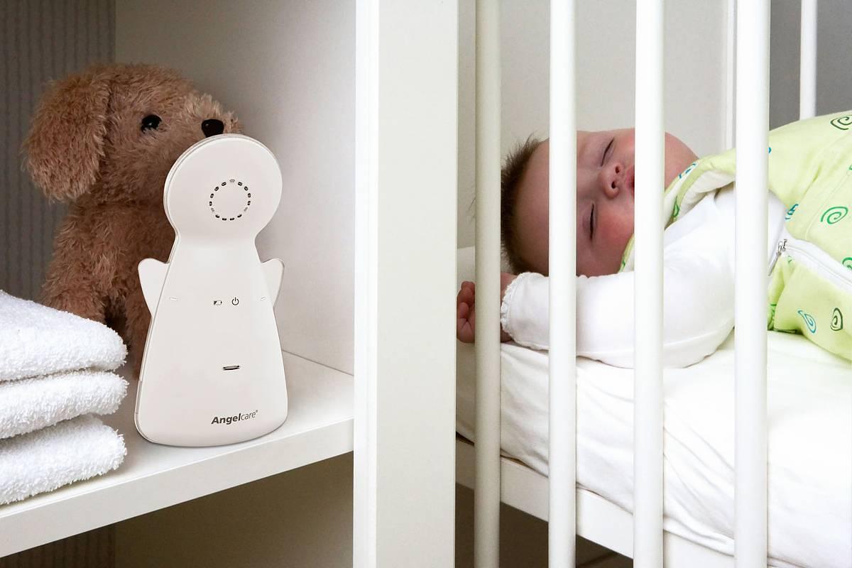 Zu viel Elektrosmog am Kinderbett ist gesundheitsschädlich. Deshalb sollten Eltern beim Kauf eines Babyphones auf strahlungsarme Geräte achten. Foto: djd/Funny Handel/Angelcare