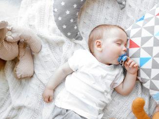 Gesunder Schlaf für Baby und Kleinkinder - diese Kniffe helfen